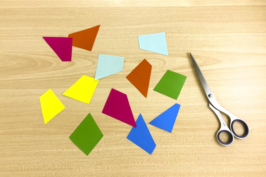 アルバム作り方:色紙を切る