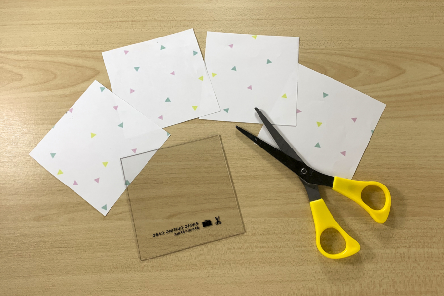 アルバム作り方:色紙を用意する