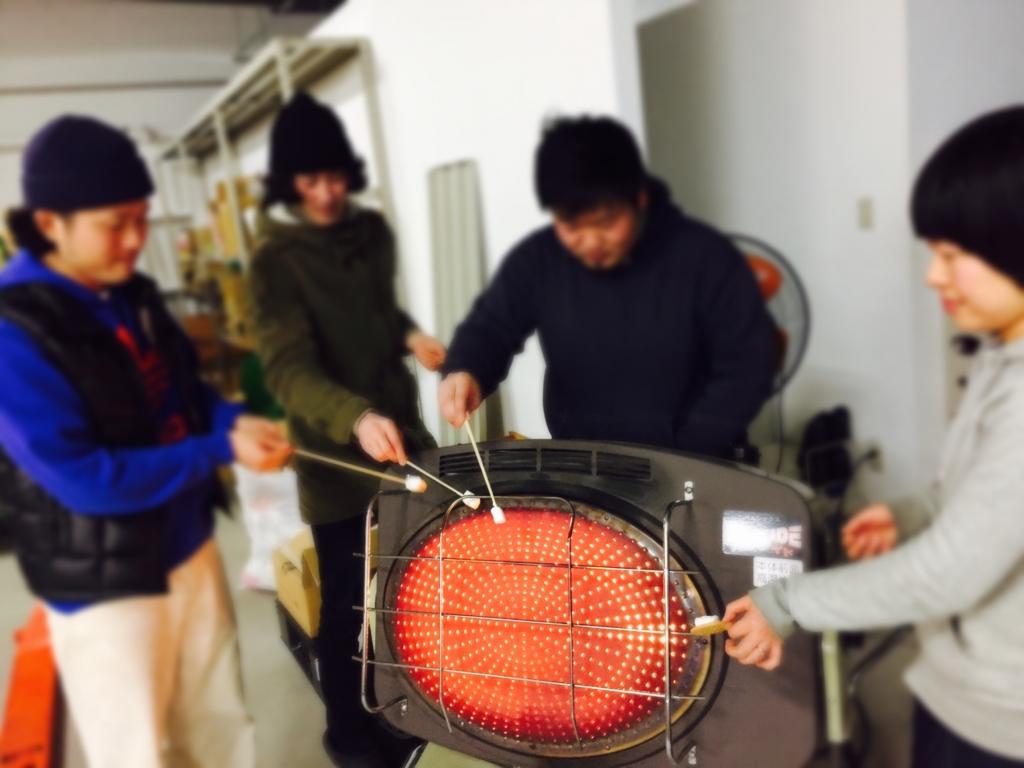 ストーブ 焼きマシュマロ
