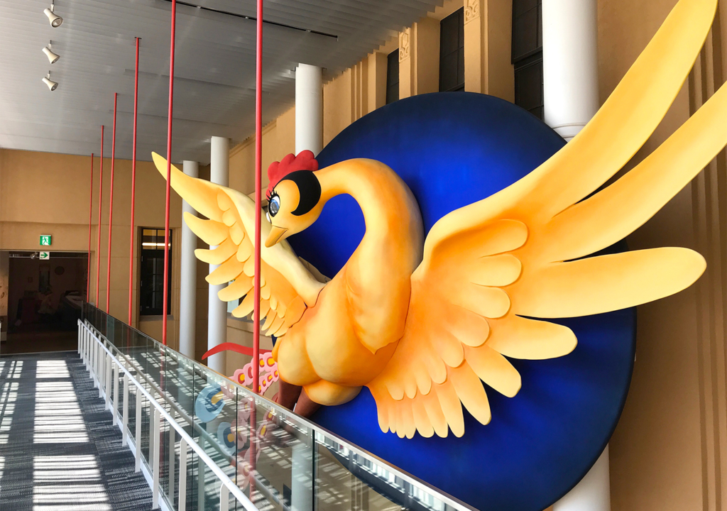 京都国際マンガミュージアム 火の鳥オブジェ