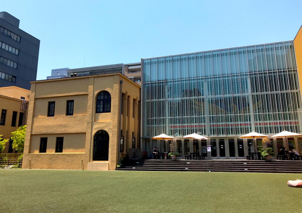 京都国際マンガミュージアム 芝生